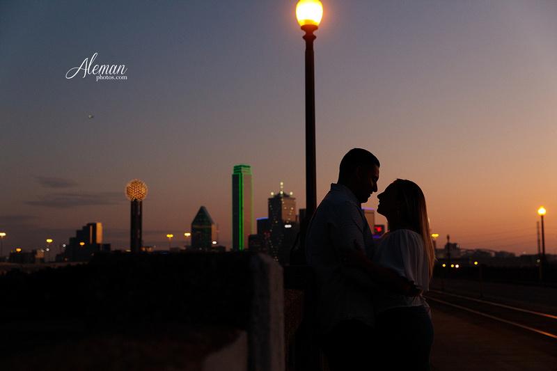 dallas-skyline-engagement-sunrise-sunset-wedding-aleman-photos002