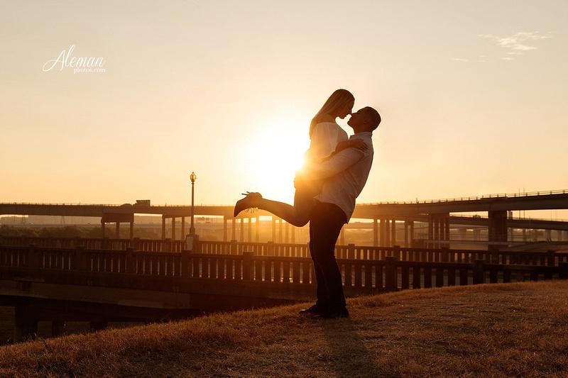 dallas-skyline-engagement-sunrise-sunset-wedding-aleman-photos009