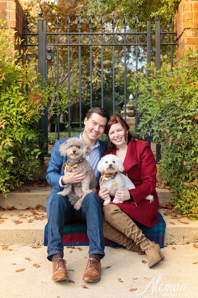 dallas-fall-engagement-winter-dogs-sanford-inn-aleman-photos005