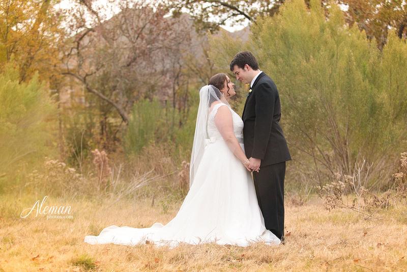 ashton-gardens-wedding-corinth-blue-sunfloers-oakmont-county-club-aleman-photos030