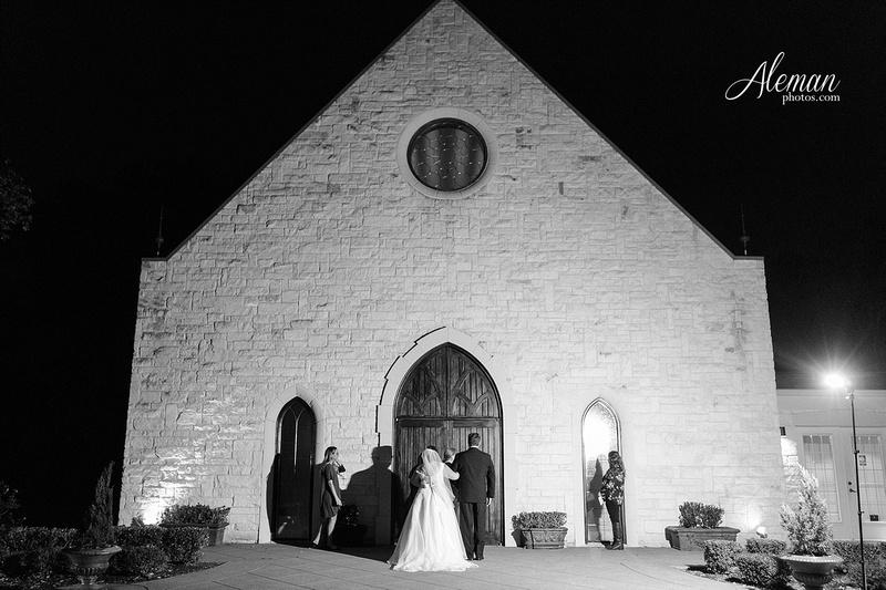 ashton-gardens-wedding-corinth-blue-sunfloers-oakmont-county-club-aleman-photos040