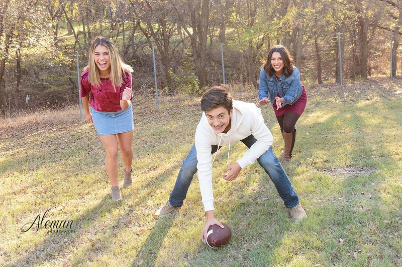 Dallas-Family-Photographer-aleman-photos-carrollton-outdoor-fall 013