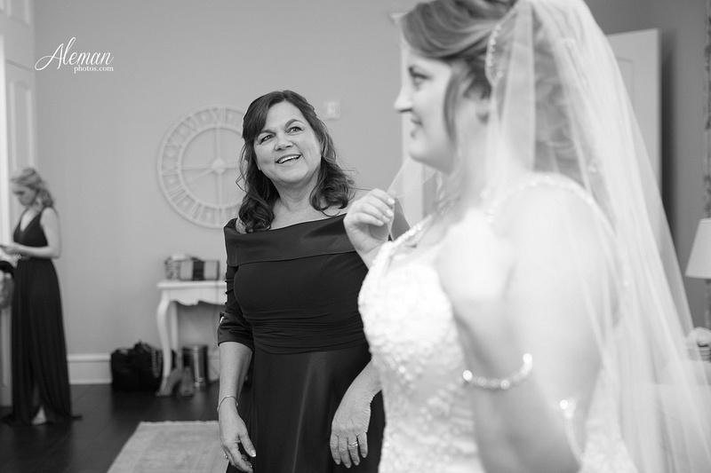 milestone-wedding-photographer-aleman-photos-aubrey-krum-emily-tyler 009