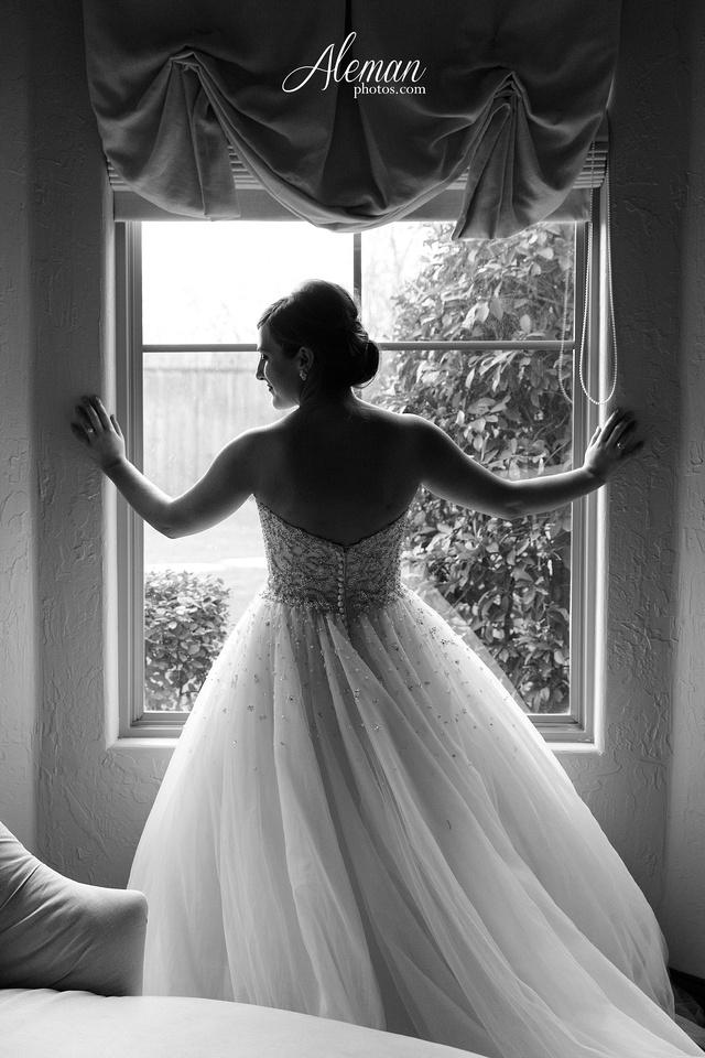 ana-villa-bridal-wedding-lyssa 018