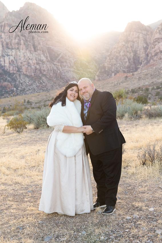 red-rock-canyon-las-vegas-destination-wedding-dallas-aleman-photos -002