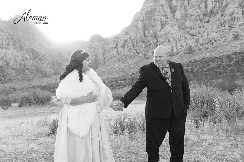 red-rock-canyon-las-vegas-destination-wedding-dallas-aleman-photos -006