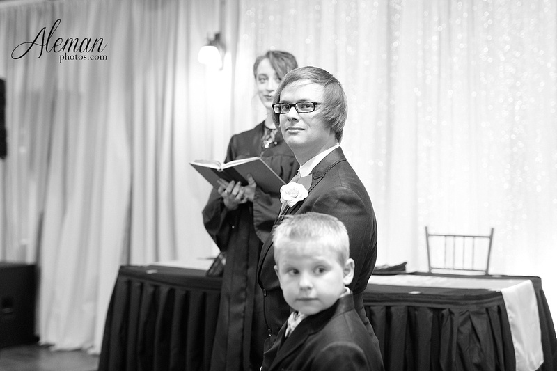 dallas-wedding-photographer-aleman-photos-jupiter-gardens-cara-bill-019