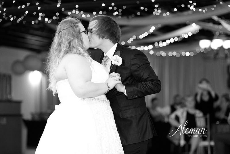 dallas-wedding-photographer-aleman-photos-jupiter-gardens-cara-bill-040