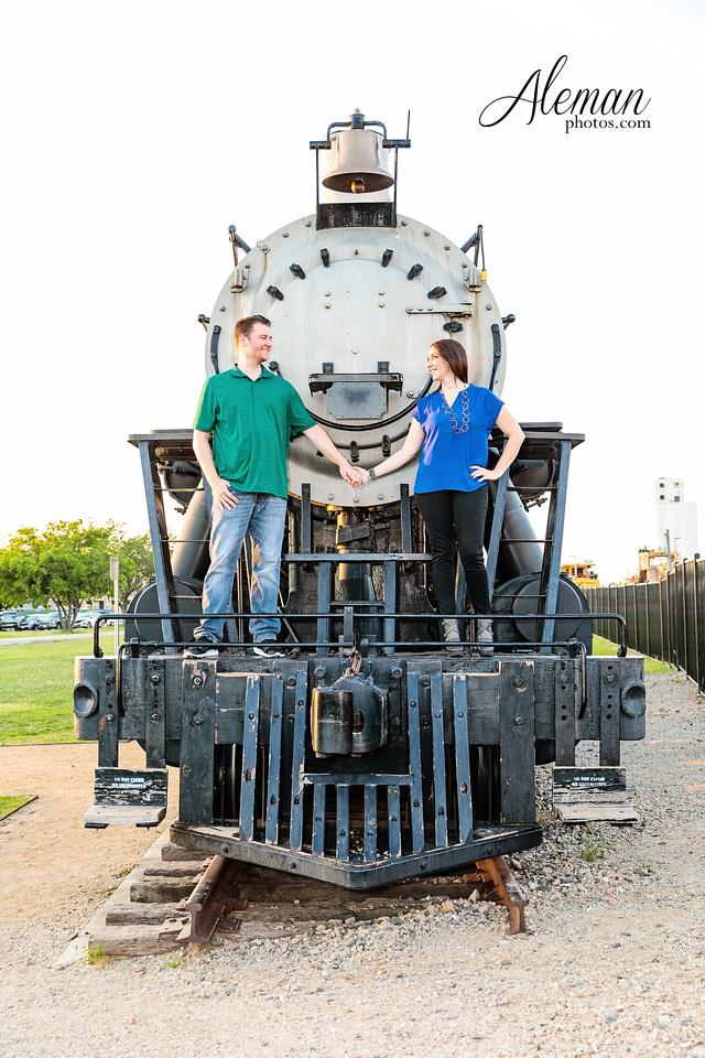 train-engagement-dallas-photographer-harry-potter-frisco-heritage-park