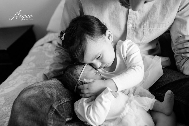 dallas-lifestyle-newborn-photographer-aleman-photos-stephanie-002