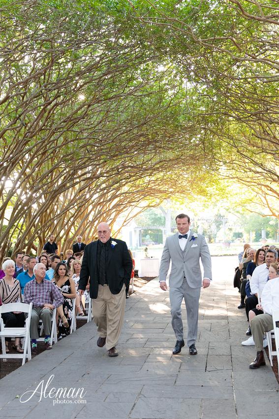 dallas-arboretum-wedding-photographer-aleman-photos-amy-acott 025