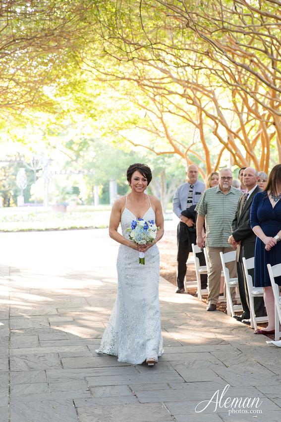 dallas-arboretum-wedding-photographer-aleman-photos-amy-acott 026