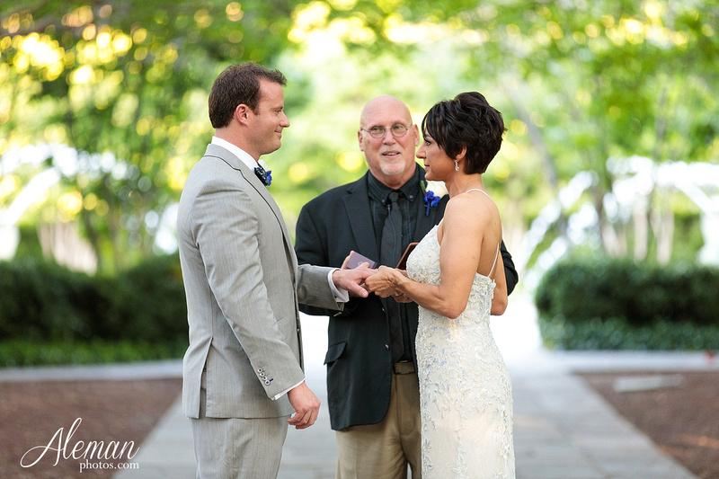dallas-arboretum-wedding-photographer-aleman-photos-amy-acott 030