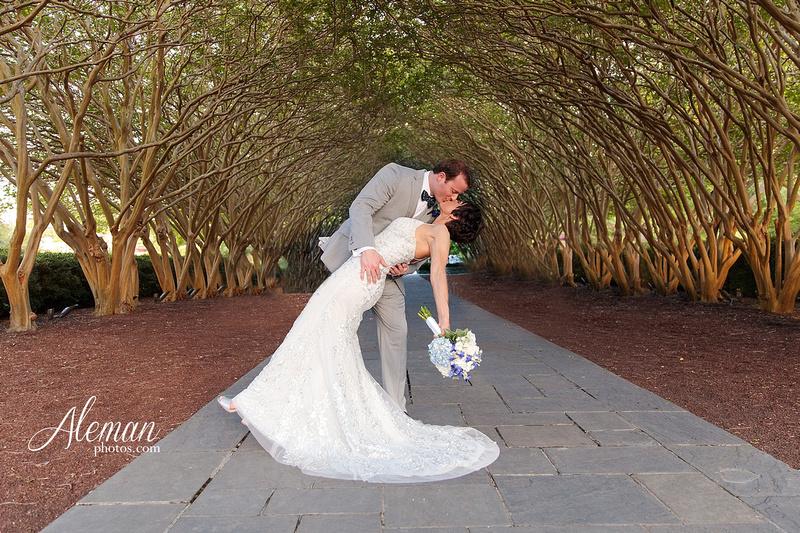 dallas-arboretum-wedding-photographer-aleman-photos-amy-acott 041