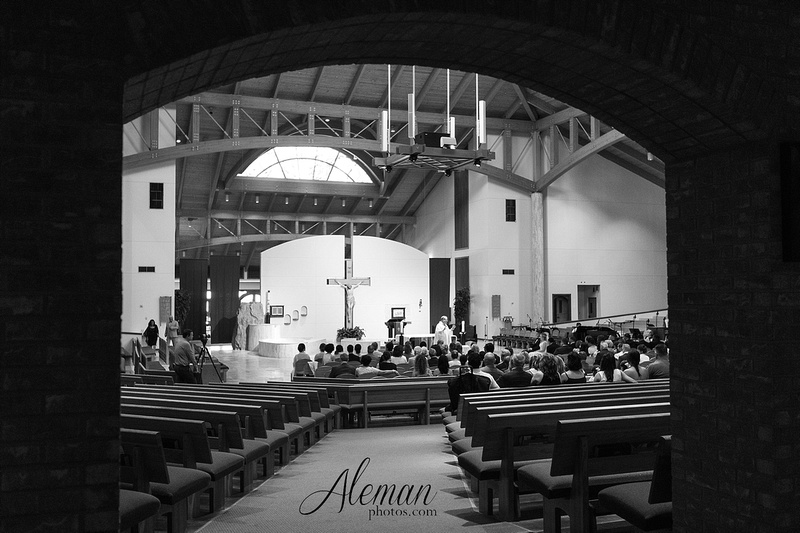 dallas-ft-worth-botanical-gardens-photographer-mopac-catholic-church-aleman-photos-meghan-jesus 034
