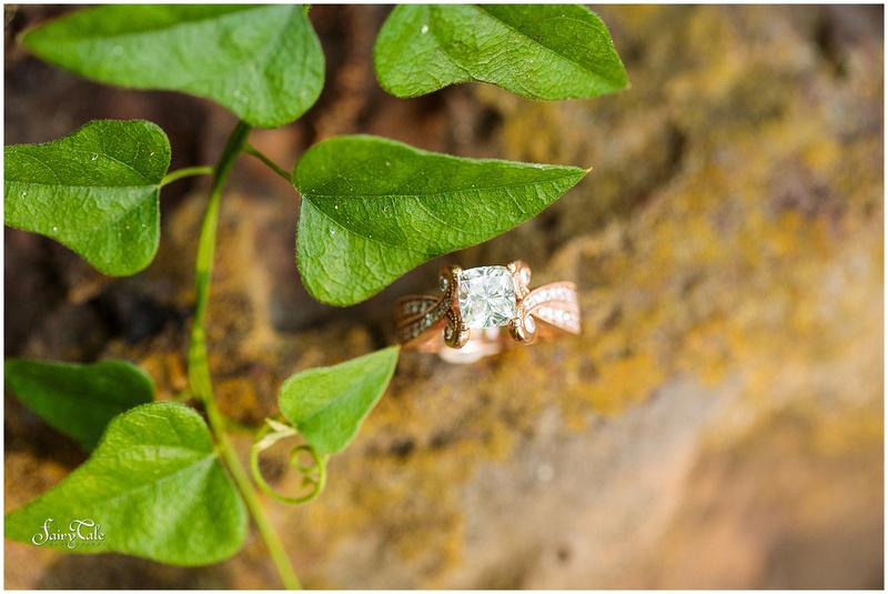 twu-gardens-greenhouse-denton-outdoor-engagement-caitlin 012