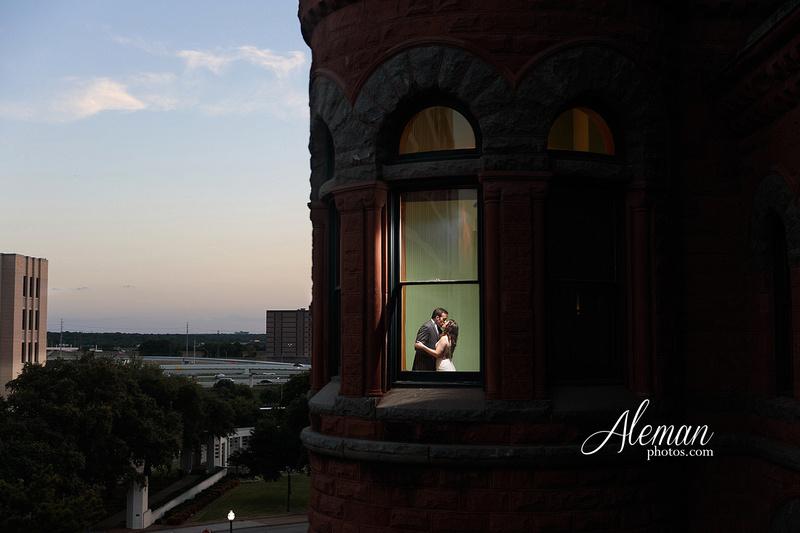 old-red-musuem-courthouse-wedding-aleman-photos-dallas-downtown-lauren-ryan-002