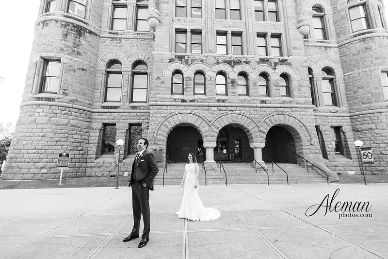 old-red-musuem-courthouse-wedding-aleman-photos-dallas-downtown-lauren-ryan-021
