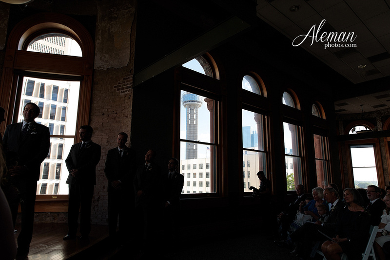 old-red-musuem-courthouse-wedding-aleman-photos-dallas-downtown-lauren-ryan-035