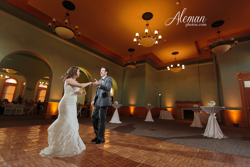 old-red-musuem-courthouse-wedding-aleman-photos-dallas-downtown-lauren-ryan-055