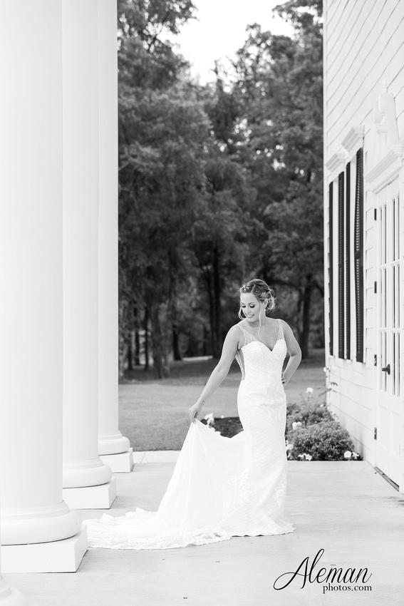 milestone-wedding-photographer-bridal-session-mansion-sarah 004