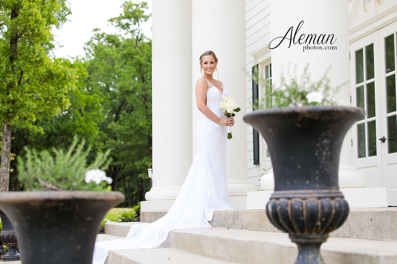 milestone-wedding-photographer-bridal-session-mansion-sarah 006