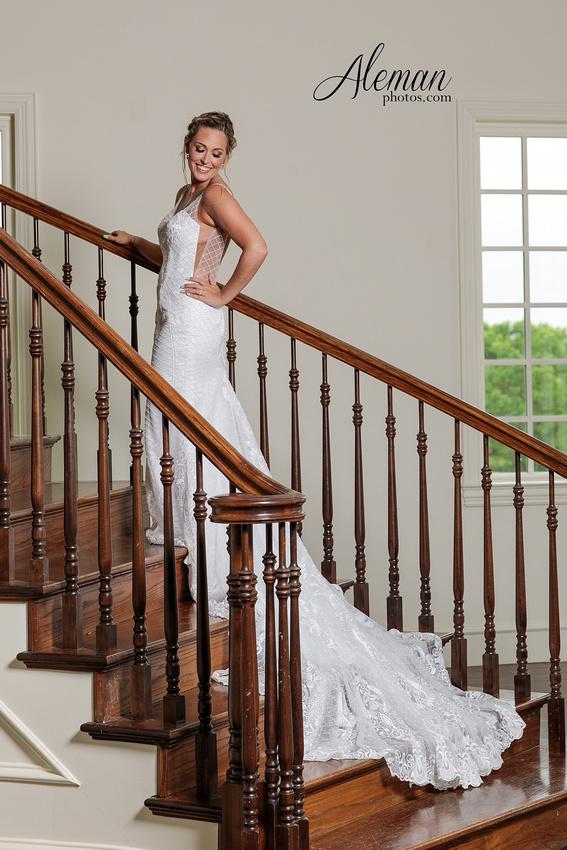 milestone-wedding-photographer-bridal-session-mansion-sarah 008