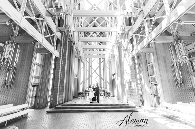 marty-leonard-chapel-wedding-elopement-fort-worth-dallas-photographer-aleman-photos-noe 005