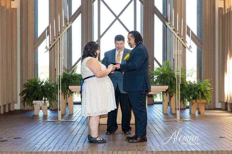 marty-leonard-chapel-wedding-elopement-fort-worth-dallas-photographer-aleman-photos-noe 007