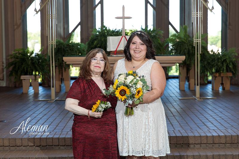 marty-leonard-chapel-wedding-elopement-fort-worth-dallas-photographer-aleman-photos-noe 012