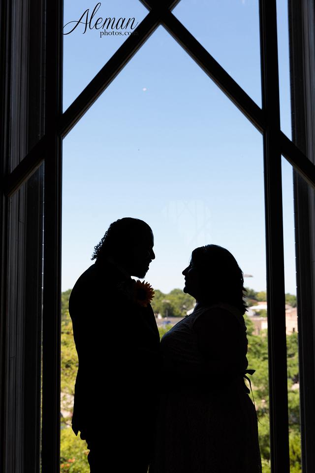 marty-leonard-chapel-wedding-elopement-fort-worth-dallas-photographer-aleman-photos-noe 016