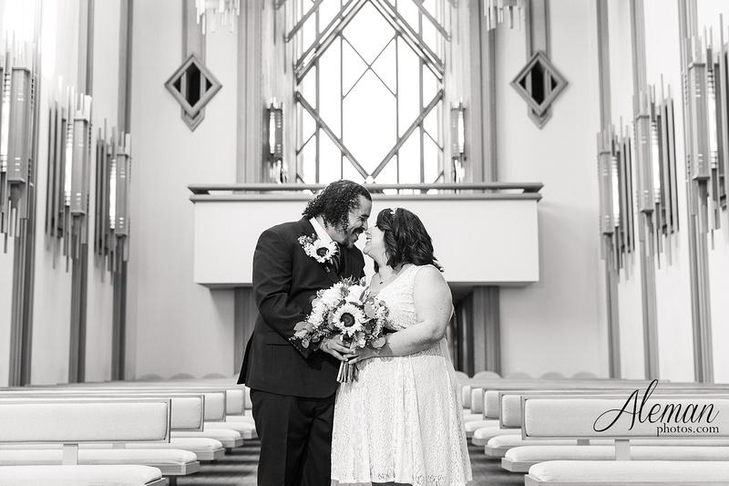 marty-leonard-chapel-wedding-elopement-fort-worth-dallas-photographer-aleman-photos-noe 017