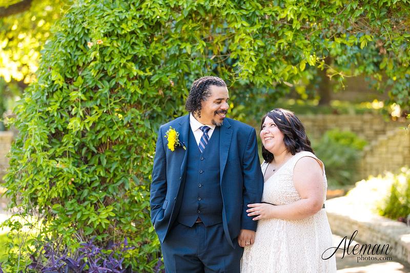 marty-leonard-chapel-wedding-elopement-fort-worth-dallas-photographer-aleman-photos-noe 022