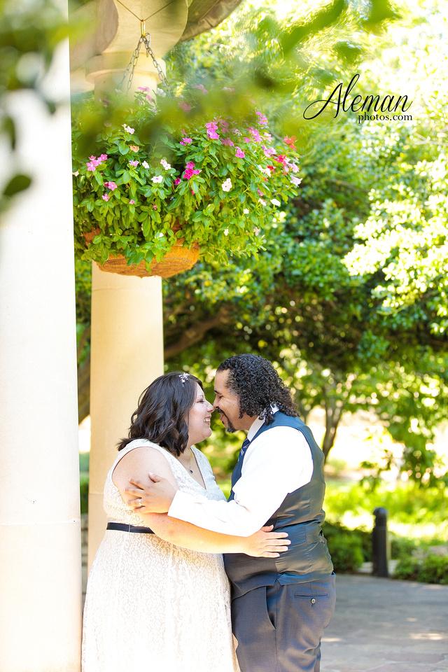 marty-leonard-chapel-wedding-elopement-fort-worth-dallas-photographer-aleman-photos-noe 024