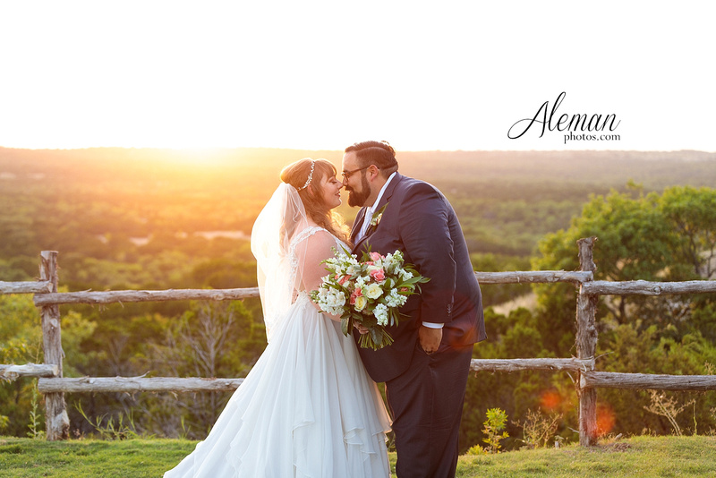doveridge-vineyard-sunset-wedding-weatherford-fort-worth-aleman-photos-adrian-kristen 01
