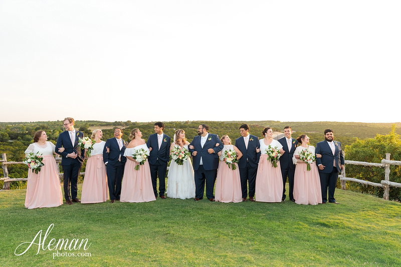 doveridge-vineyard-sunset-wedding-weatherford-fort-worth-aleman-photos-adrian-kristen 43