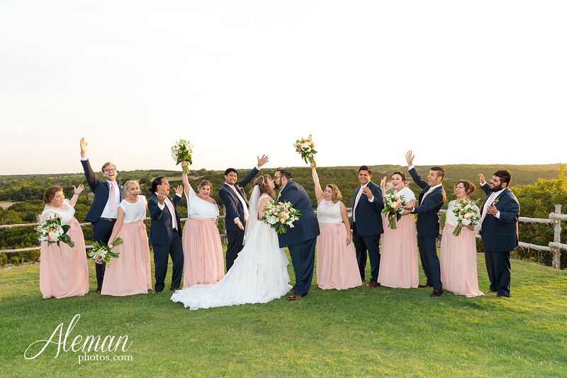 doveridge-vineyard-sunset-wedding-weatherford-fort-worth-aleman-photos-adrian-kristen 45