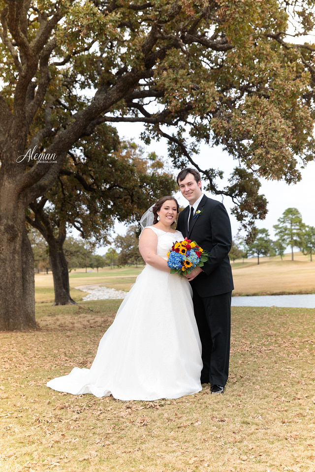 ashton-gardens-wedding-corinth-blue-sunfloers-oakmont-county-club-aleman-photos026