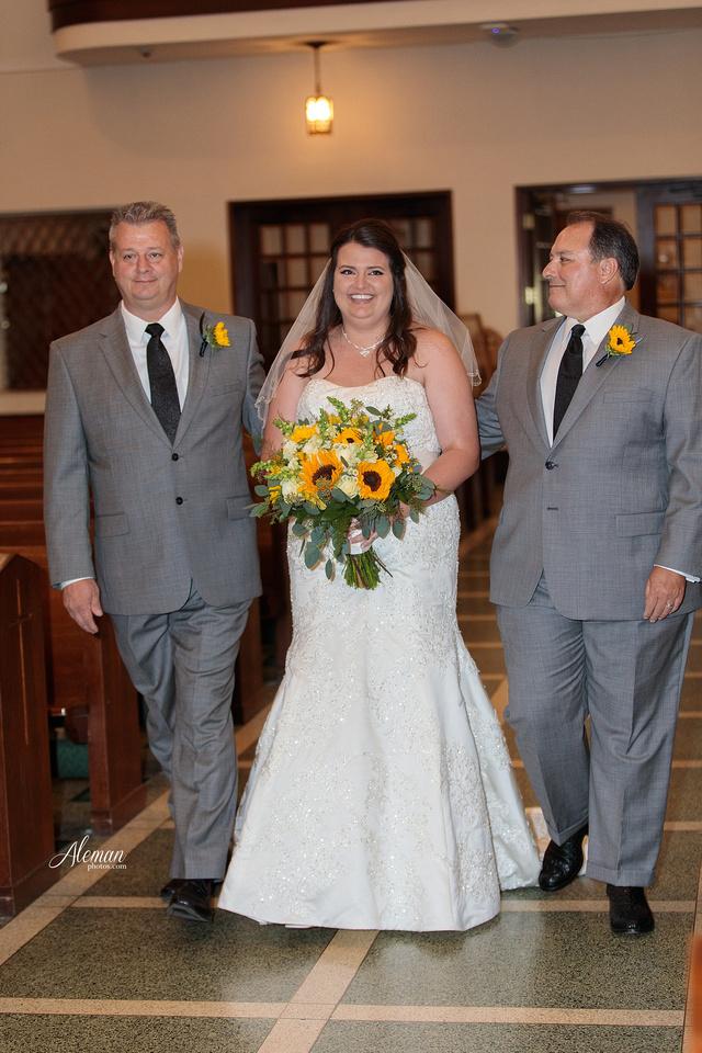 gilleys-dallas-wedding-downtown-skyline-st.-thomas-acquinas-church-aleman-photos030
