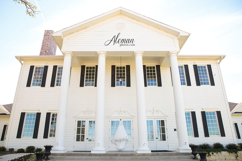 milestone-wedding-photographer-aleman-photos-aubrey-krum-emily-tyler 001