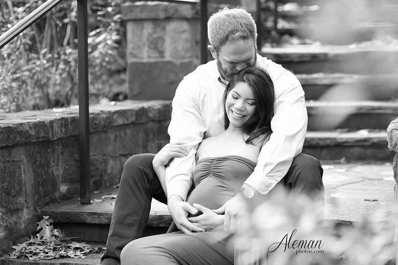 Dallas- Maternity-Photographer-Arlington-Hall-family-pet