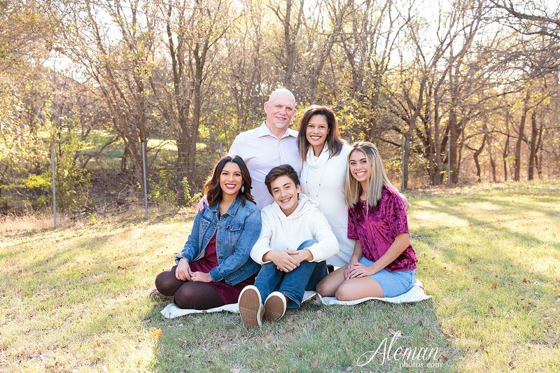 Dallas-Family-Photographer-aleman-photos-carrollton-outdoor-fall 006