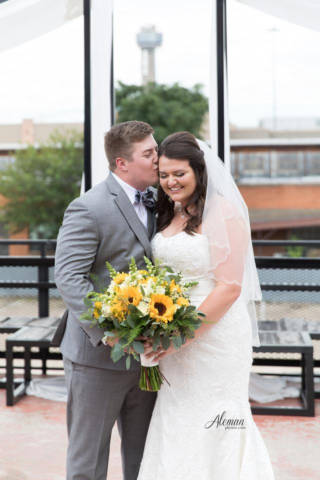 gilleys-dallas-wedding-downtown-skyline-st.-thomas-acquinas-church-aleman-photos023