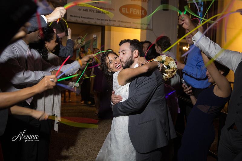 engagement-dallas-downtown-wedding-skyline-wedding-photographer-aleman-photos-dallas-miranda-alex051