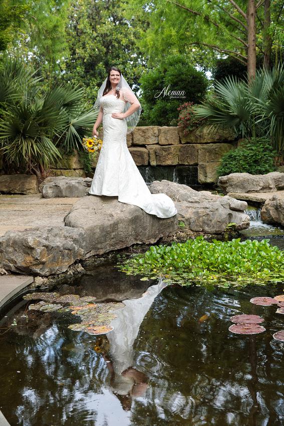 dallas-arboretum-bridals-wedding-dress-portraits-outdoor-aleman-photos-beca007