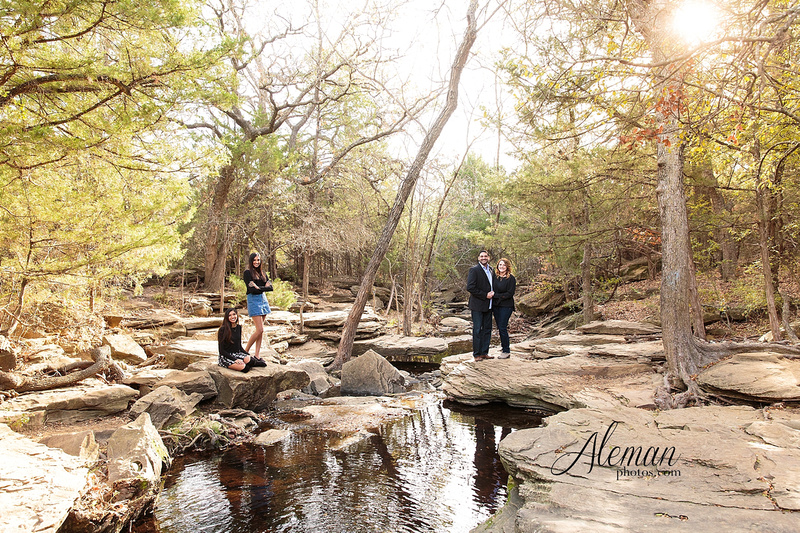stone-creek-park-dallas-family-photographer-fall-christmas-robin-aleman-photos 001