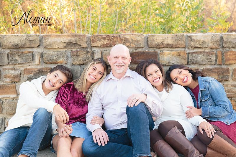 Dallas-Family-Photographer-aleman-photos-carrollton-outdoor-fall 015