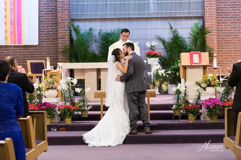 engagement-dallas-downtown-wedding-skyline-wedding-photographer-aleman-photos-dallas-miranda-alex030