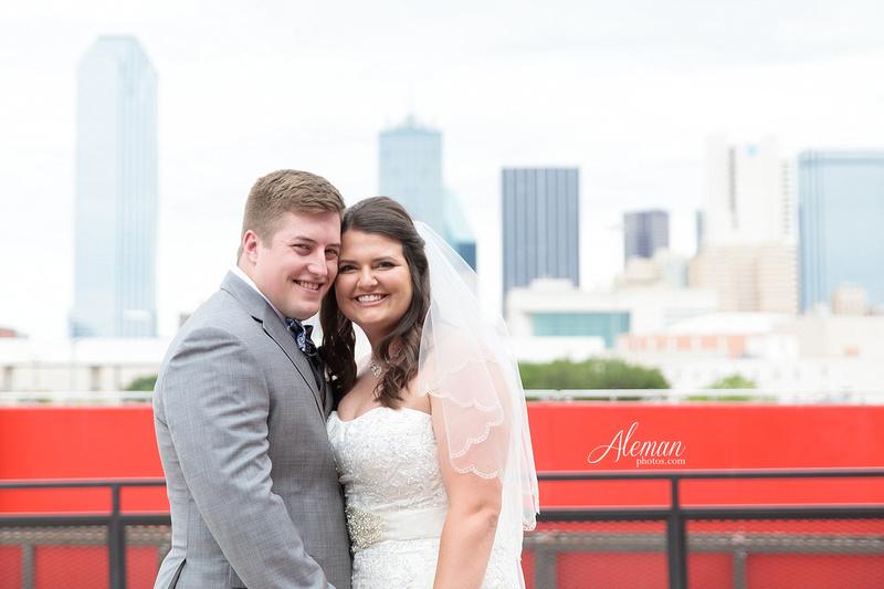 gilleys-dallas-wedding-downtown-skyline-st.-thomas-acquinas-church-aleman-photos025