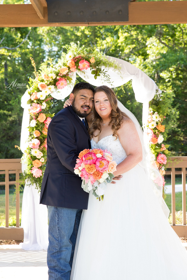 the-springs-mckinney-wedding-anna-texas-country-outdoor-dallas-photographer-aleman-photos-cowboys-softball-blue-jeans-boots025